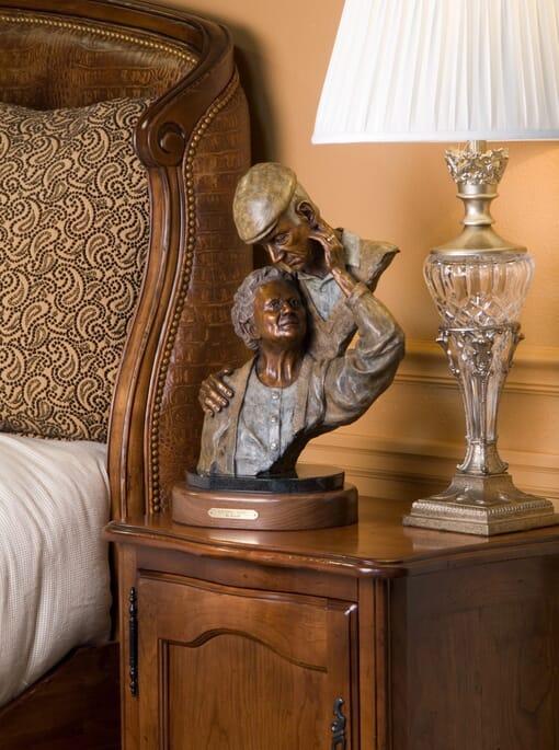 Elderly Couple Bronze Sculpture-2